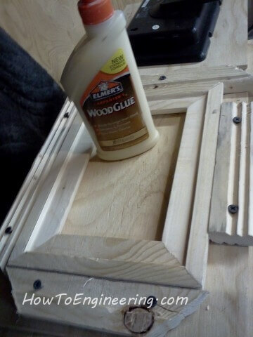 glue wood picture frame in jig